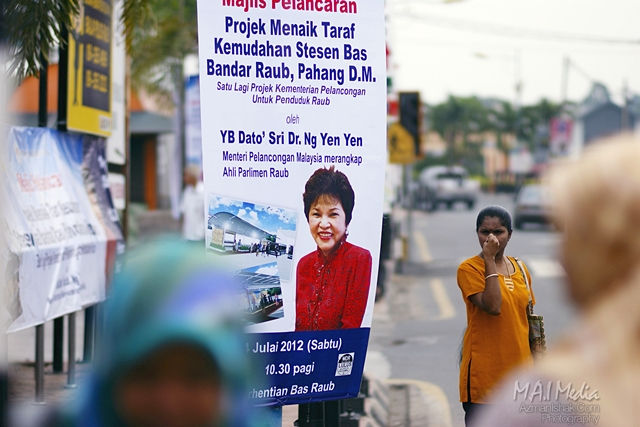 Bunting yang dipasang sekitar Bandar Raub, Pahang