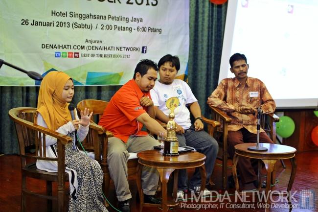Sesi Mini Forum Kedua terdiri daripada Yuyu Zulaikha, BroFramestone, Ikhwan Nazri dan Bang Iwan