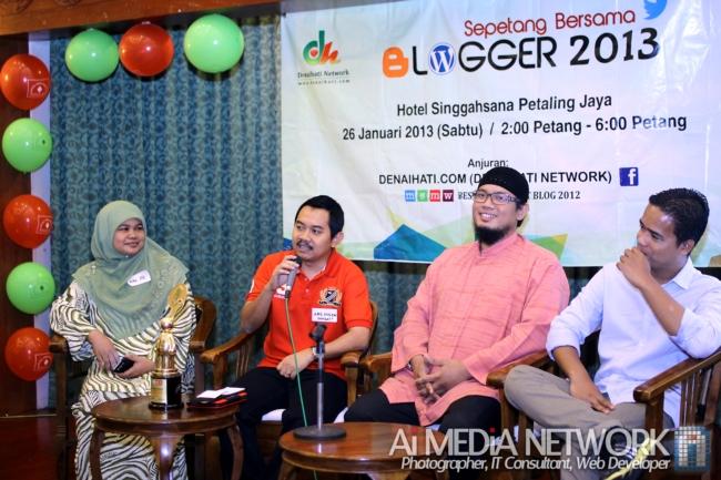 Sesi Mini Forum Pertama SBB2013 yang di pengerusi oleh AbangEnsem