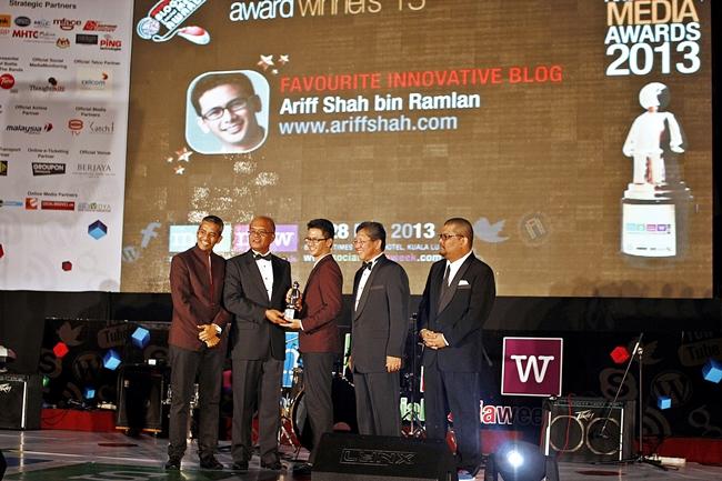 Ariff Shah yang menjuarai kategori Favoirite Innovative Blog