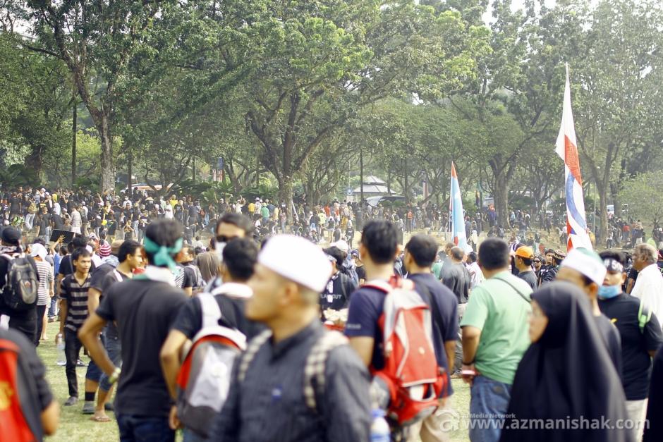 Kekecohan selesai dalam masa 3 minit atas tindakan pantas pihak berkuasa dan AJK perhimpunan.