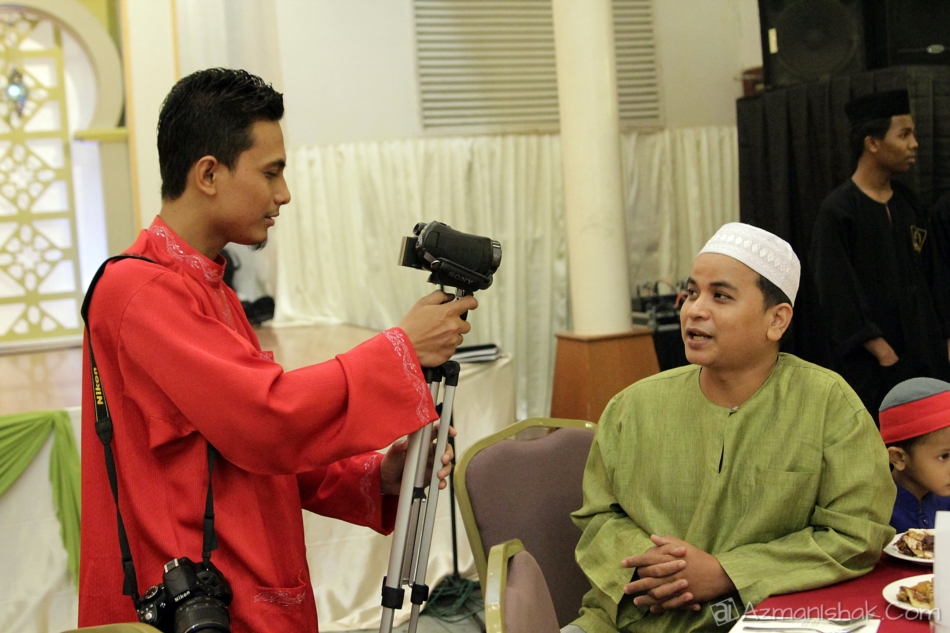 Haaa... kan dah kene interview..