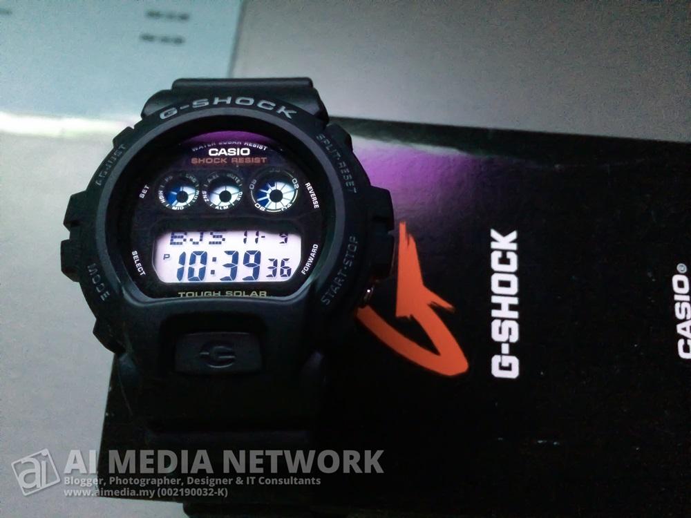 Muehehehe.... gue dapat jam tangan. Boss sponser. Terharu seh!