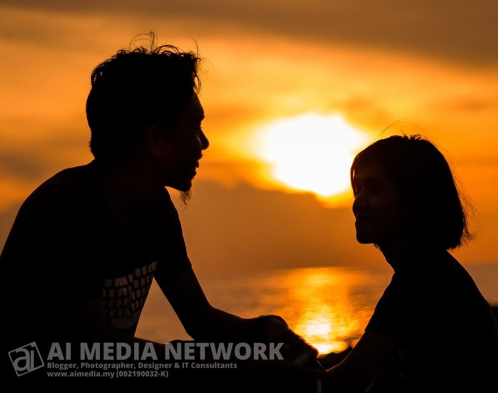 Siri kembara pantai Kelana Beach - 004 - Pasangan romentik!