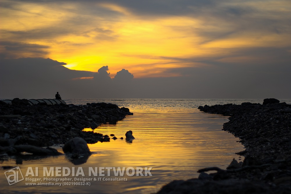 Siri kembara pantai Kelana Beach - 010 - Hampir terbenam matahari
