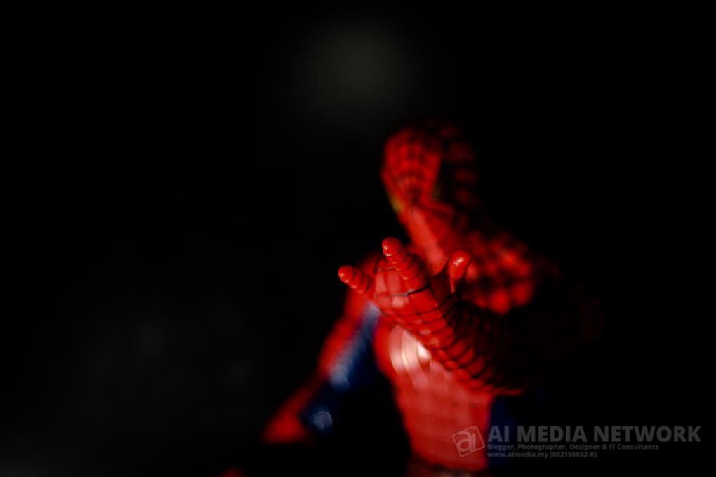 Tapi agak keterbatasan jugak la figura spiderman ni untuk beraksi.