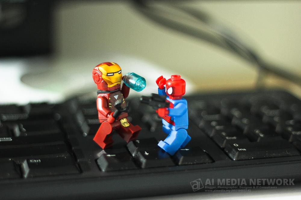 Ironman : Wei spidey, canner la nko lak sparing dengan aku ni.. bateri spider web pon abis.. hadoi ai