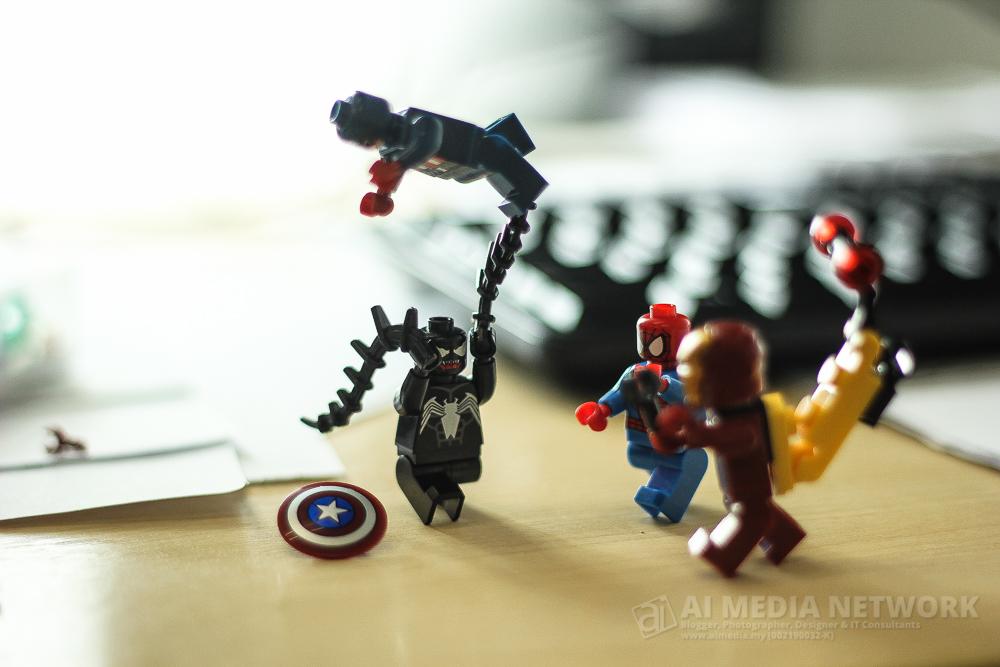 Pergelutan 3 berbalas 1 di atara team Avengers dan Venom, tapi mereka masih tak mampu nak kalahkannya.