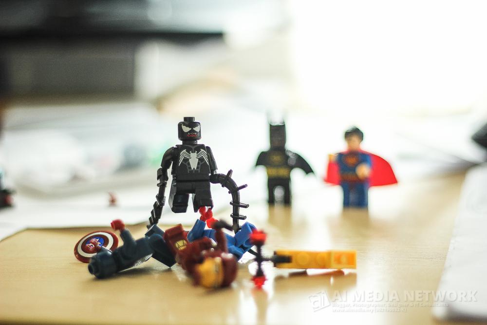 Venom : Ehhh... kau datang bawak kawan plak yeeee..... amboihhh